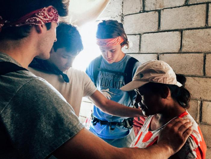 Praying with People in Honduras